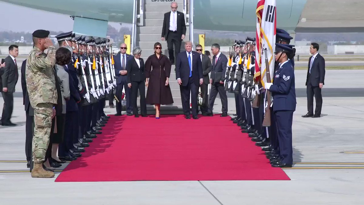 RT @FLOTUS: Thank you Republic of #Korea! 🇰🇷 🇺🇸 https://t.co/Wyxg2np8RQ