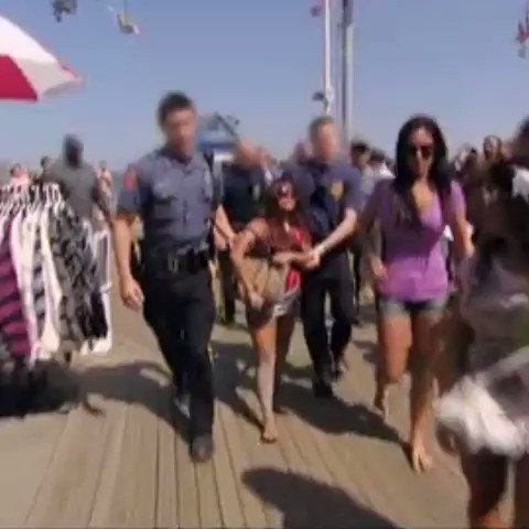 RT @JerseyShoreMTV: .@snooki just wanted to go to the beach! 🌴 #JerseyShore https://t.co/7tBf1S6d7I