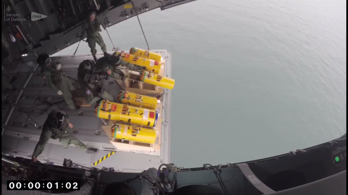 Watch a @RoyalAirForce Atlas transport aircraft put through its paces during successful air-sea rescue trials for DE&S #Defence