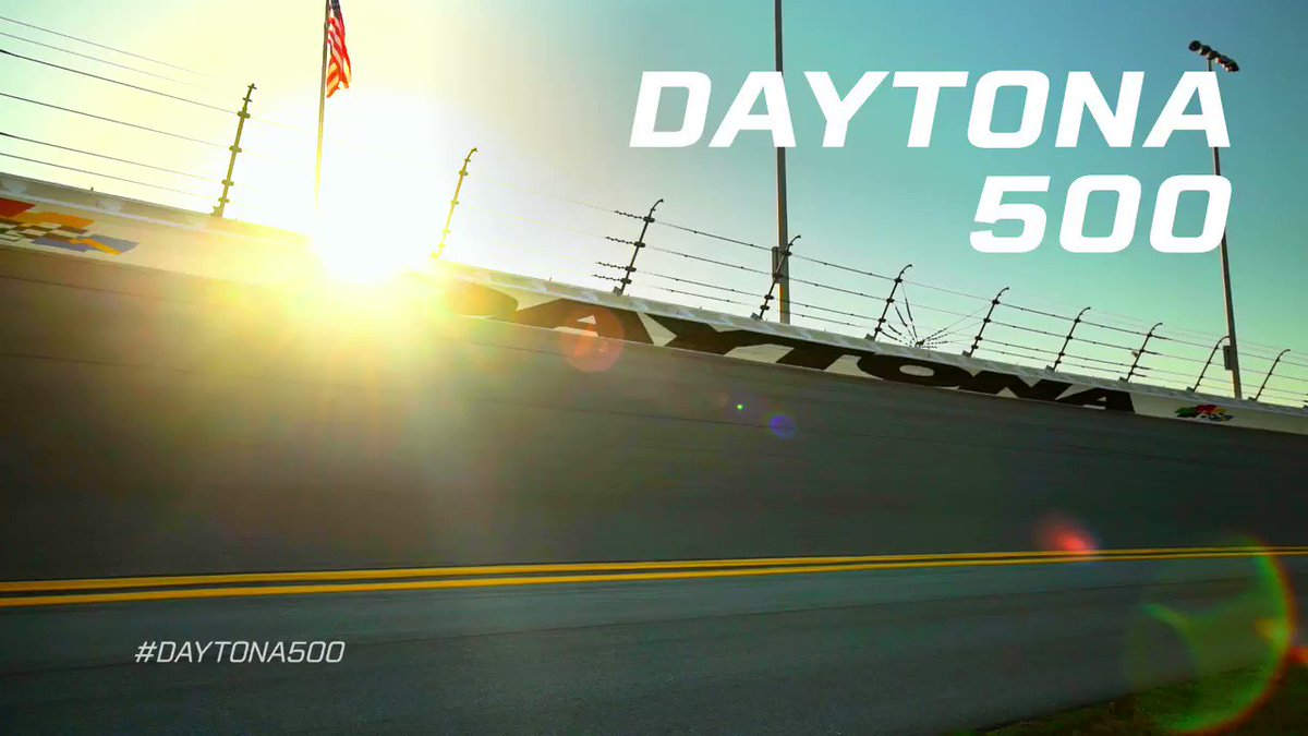 RT @DISupdates: What's the #DAYTONA500 like? Hear it directly from our fans! https://t.co/cOQ0M0fyPw