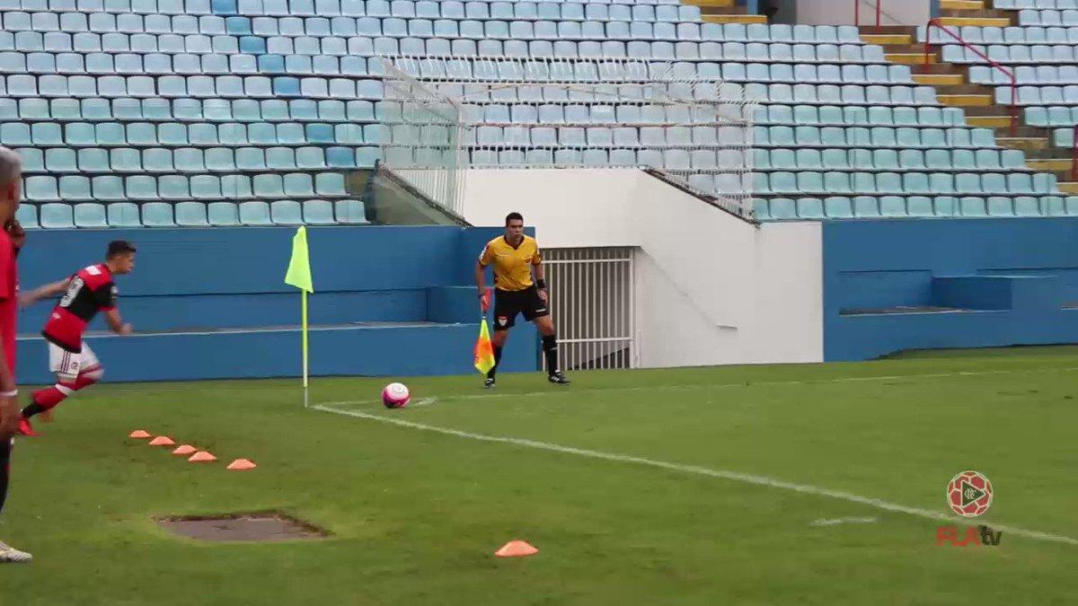 Noite de classificação para os #GarotosDoNinho! Confira o gol de Bernardo pela lente da #FlaTV: https://t.co/20Xi7xob63