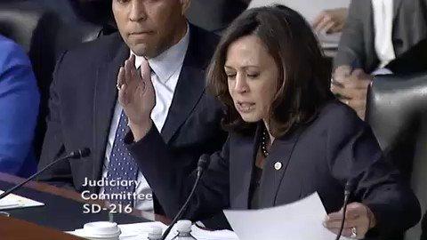 RT @MrFilmkritik: I love watching future president Kamala Harris grill these idiots.  https://t.co/mqKYC6LUxa