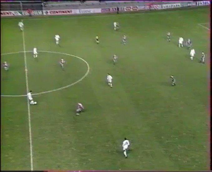 [22e journée de L1] SM Caen 0-2 O Marseille 2nCayN6VzFFPW-Hw?format=jpg&name=small