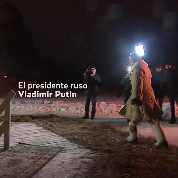 RT @elheraldo_mx: Putin se sumerge en aguas glaciales https://t.co/rba5srbLpP https://t.co/gUVgXa4tk2