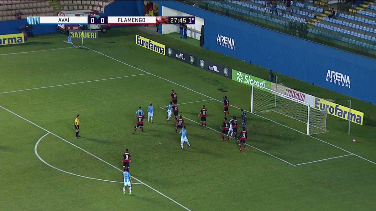 RT @extragavea: Veja o golaço de @vitinhog09 que abriu o placar contra o Avaí nesse primeiro tempo! #Exg https://t.co/C5eCMRi2Bx