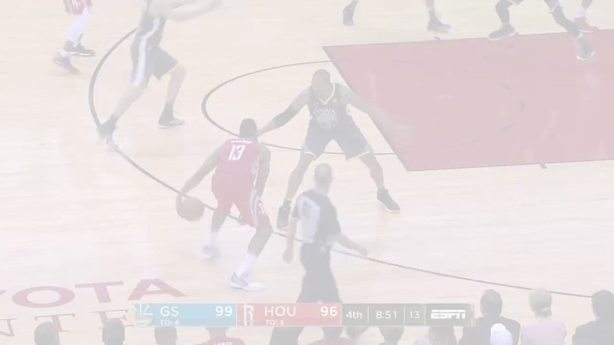 The @HoustonRockets and @Warriors battle through crunch time! https://t.co/fHtWIsXfER