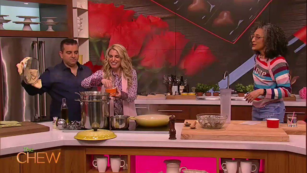 .@CakeBossBuddy and his wife Lisa give the best marriage advice they ever received. What is the best marriage advice YOUVE ever received!?
