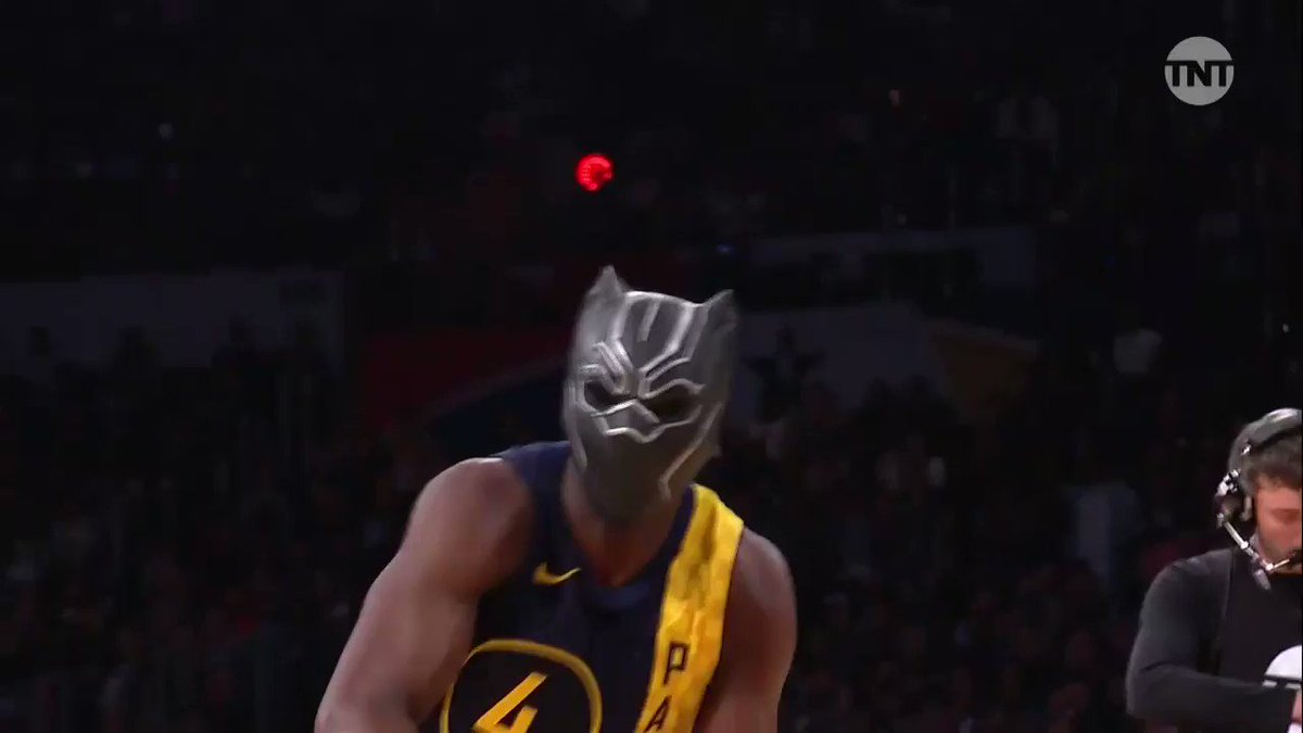 Oladipo with the #BlackPanther mask 🔥 ht...