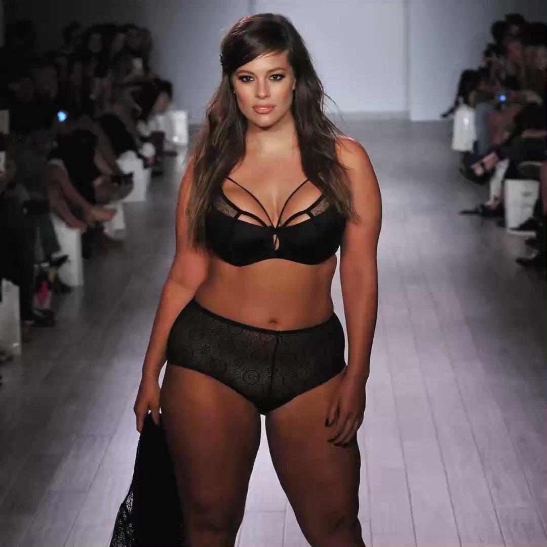 где указаны дефиле толстушек в нижнем белье том, эротические
