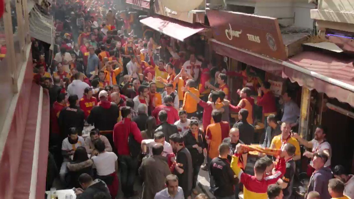 When Fenerbahce and Galatasaray clash, i...