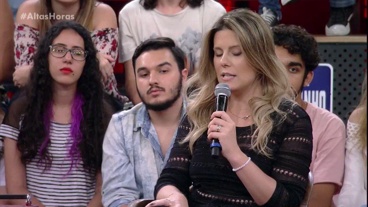 .@GarbinDaiana em papo sério no #AltasHo...