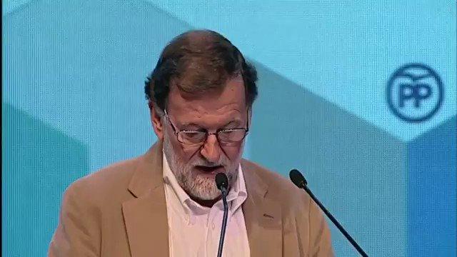 Está muy de moda la política del papel de regalo. Frente a los oportunistas, seguiremos ofreciendo resultados en los momentos más difíciles para nuestro país. España crece y crea empleo, sigamos. #17CongresoPPRM