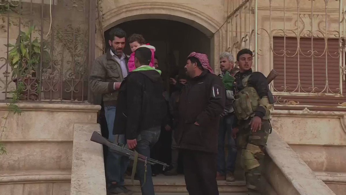 AFP'nin Afrin'den geçtiği görüntüler: Si...