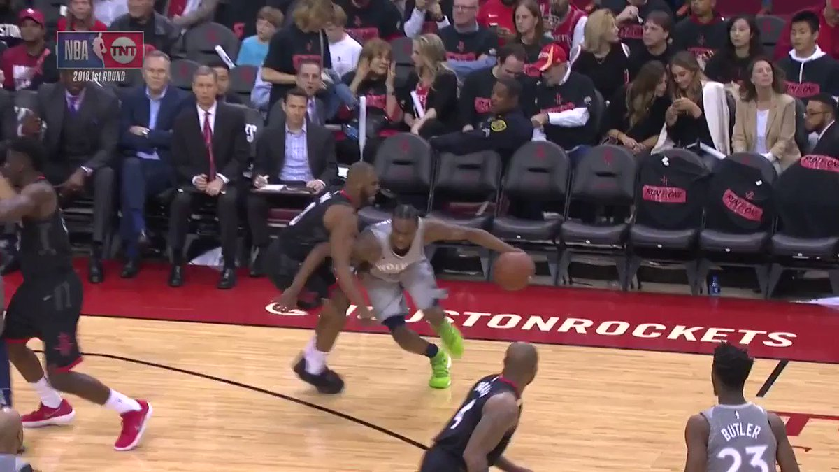 Andrew Wiggins drives in for the scoop!  @Timberwolves & @HoustonRockets are back on @NBAonTNT https://t.co/4U4ZYpWwAy