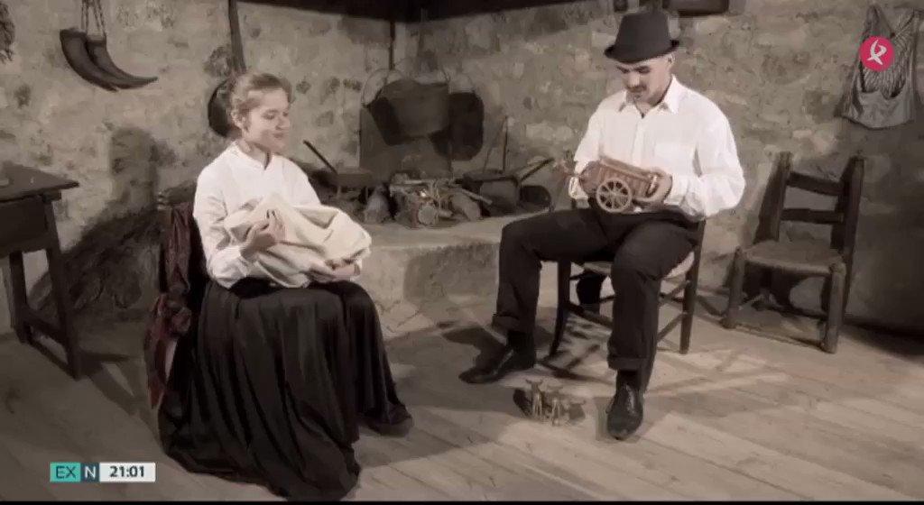 🎥Estudiantes y profesores del IES #ElBroncese de #Cáceres nos invitan a viajar al pasado y conocer costumbres de la región ya en desuso. Lo novedoso de este proyecto es que han elaborado ellos mismos un cortometraje #LaBellaFlor #EXN https://t.co/FHbaA0nx8K
