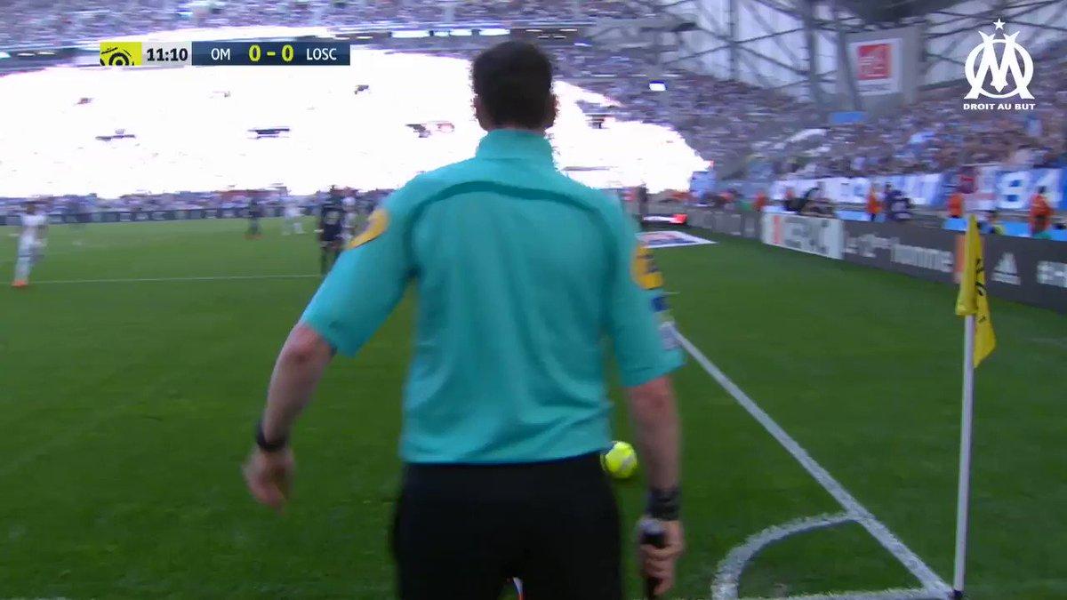 .@FlorianThauvin intègre l'équipe de la semaine sur @EA_FIFA_France 🔥 Félicitations 🎮🔵⚪️ #TOTW