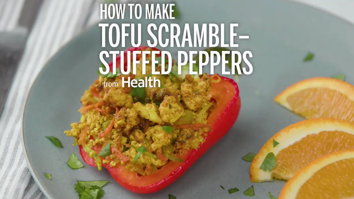 These tofu scramble-stuffed peppers are perfect for your next dinner. Get the recipe here: https://t.co/HaDflpXjaO https://t.co/ouMBTA3I2Q