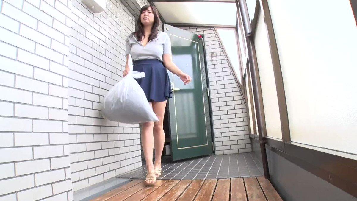 ケイン・ヤリスギ「♂」 - 【笹宮えれな】朝ゴミ出しする近所の遊び好きノーブラ奥さん 笹宮えれな