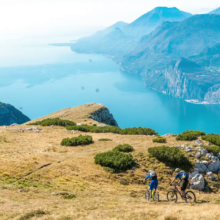 It's a cyclist's dream: a circular bike path with stunning views over Lake Garda, Italy: https://t.co/dwX8XYoYn8 https://t.co/bZxxvGzU7t