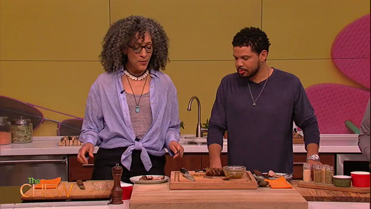 Summer is right around the corner, so @JAKESMOLLETT has the perfect cooking tip for you! Heres a hint: DRY RUB! #TheChew