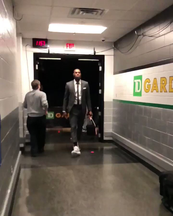 Seeking a 3-2 Eastern Conference Finals lead, the @Cavs arrive for Game 5 (8:30pm/et ESPN)! #WhateverItTakes https://t.co/bYwYFC8xrN