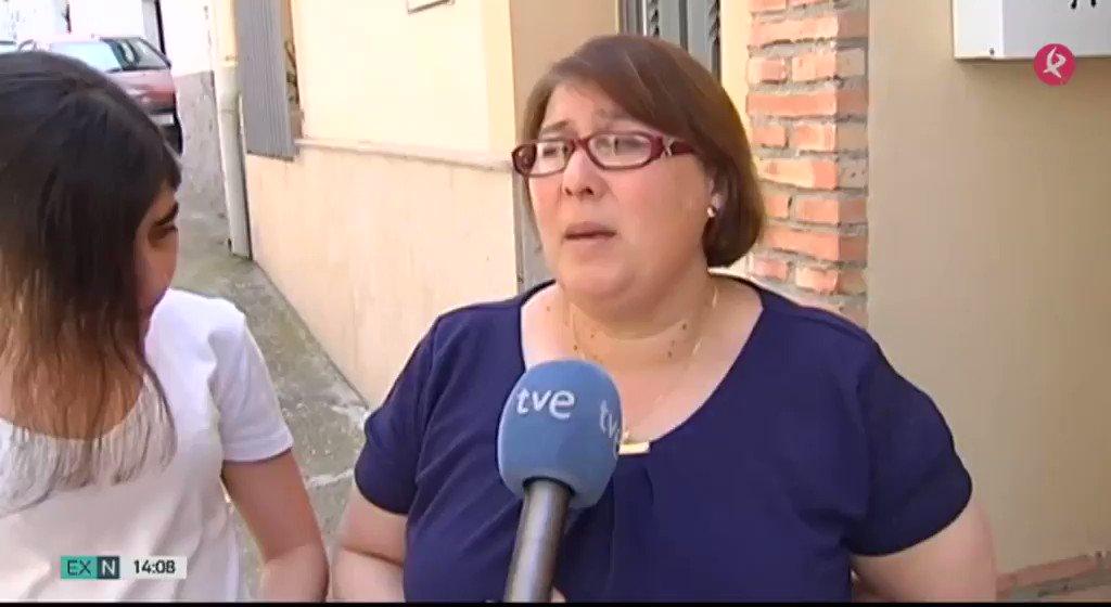Las familias están cansadas, pero aún mantienen la esperanza: 70 bomberos siguen buscando los cuerpos de los 2 sepultados en un edificio de #Chamberí casi 2 días después del derrumbe. #EXN https://t.co/RVr6sb2If1