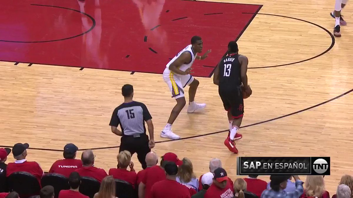 James Harden gets the action going in Game 5!  #Rockets x #DubNation   ��: @NBAonTNT https://t.co/jvwACkz21q