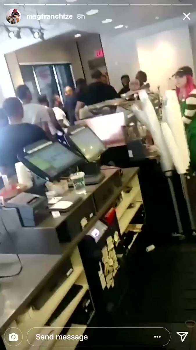 Rich The Kid did all of that dissing but really wasn't about that action  when Lil Uzi Vert pulled up on him. Lmao. https://t.co/2EIIxCskQi
