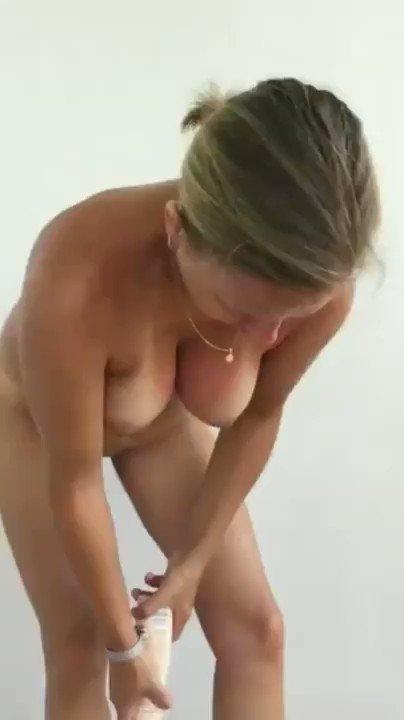 "Cougarillo 13k on Twitter: ""Vidéo *sexy de sa femme nue qui ..."