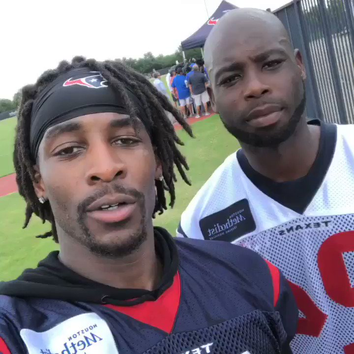 WR @BruceElling10 and CB @JJOE2424 checking in from #TexansOTAs! https://t.co/wEN5pxO45I
