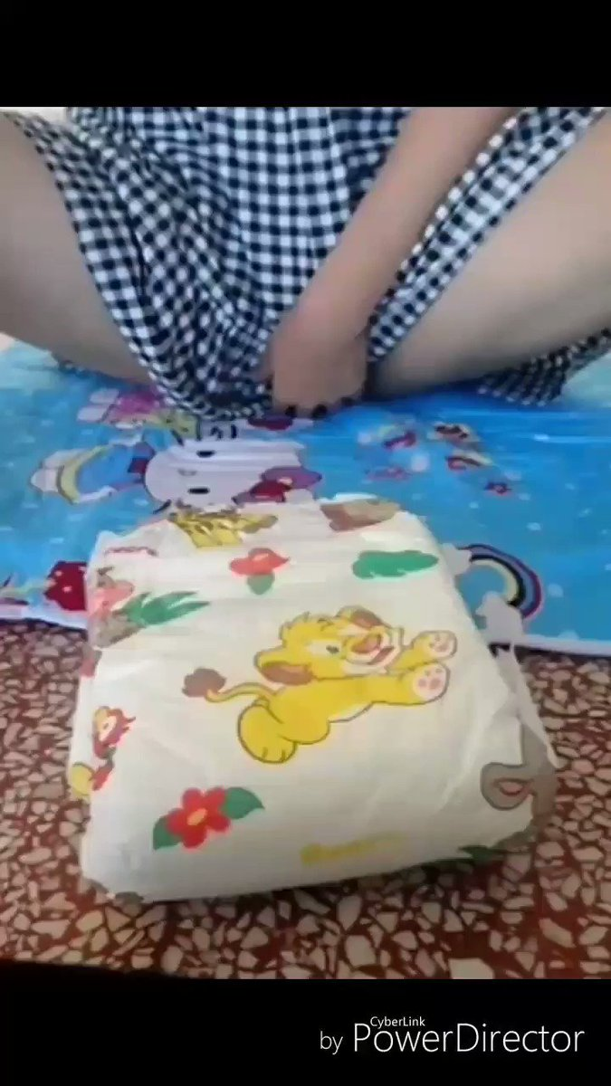小可 - 學校換尿布:学校はオムツをかえます。