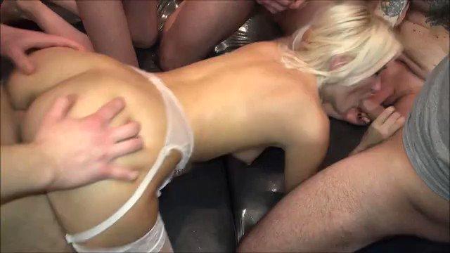Reiche frauen zahlen für sex