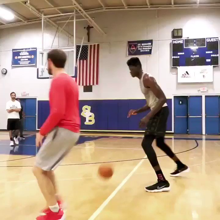 'I changed mechanics on my jump shot and I'm really seeing a difference... The ball is coming off my two guide fingers + feels really smooth' ~ Mo Bamba at our interview + workout with him in #LA, where he is training with #NBA trainer @DrewHanlen >> dx.im/Bamba-Case