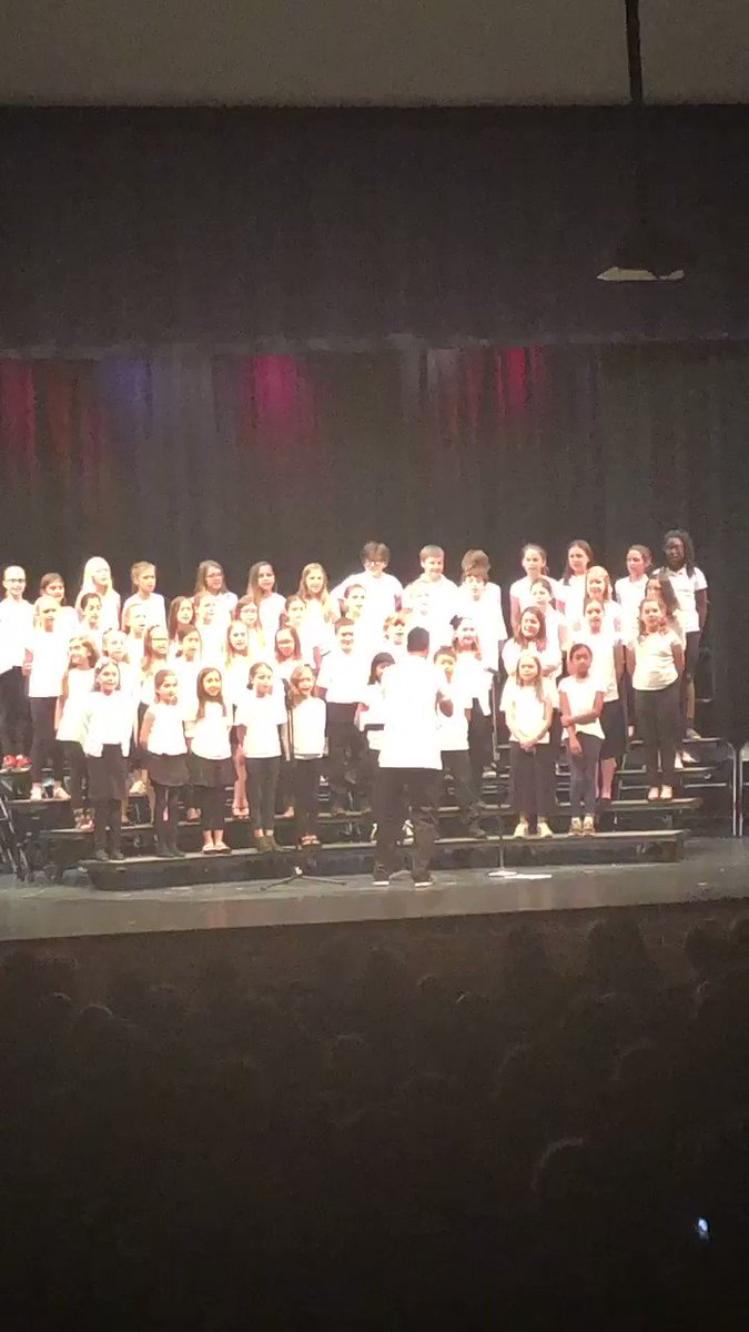 The Jamestown Chorus was so excited to perform for their parents. They have worked hard to prepare for tonight. Great job everyone. <a target='_blank' href='http://twitter.com/APSArts'>@APSArts</a> <a target='_blank' href='http://twitter.com/monicaroache'>@monicaroache</a> <a target='_blank' href='https://t.co/sOMX1Wa6wp'>https://t.co/sOMX1Wa6wp</a>