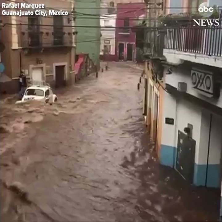 Severe flooding in Mexico's Guanajuato City turns streets into rivers after dam overflows. https://t.co/X9MuIEamPE https://t.co/SmU8gNXDgL