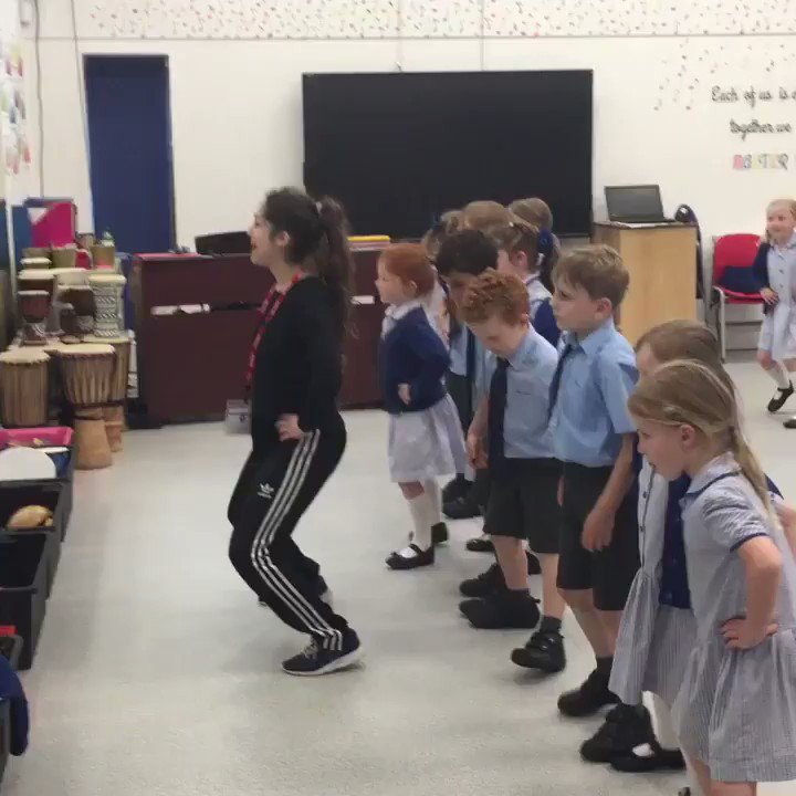 The children had loads of fun learning traditional Greek dancing today as part of our Greek themed Creative Arts Week. Opa! #CreativeArtsWeek2018 #LongacreLife