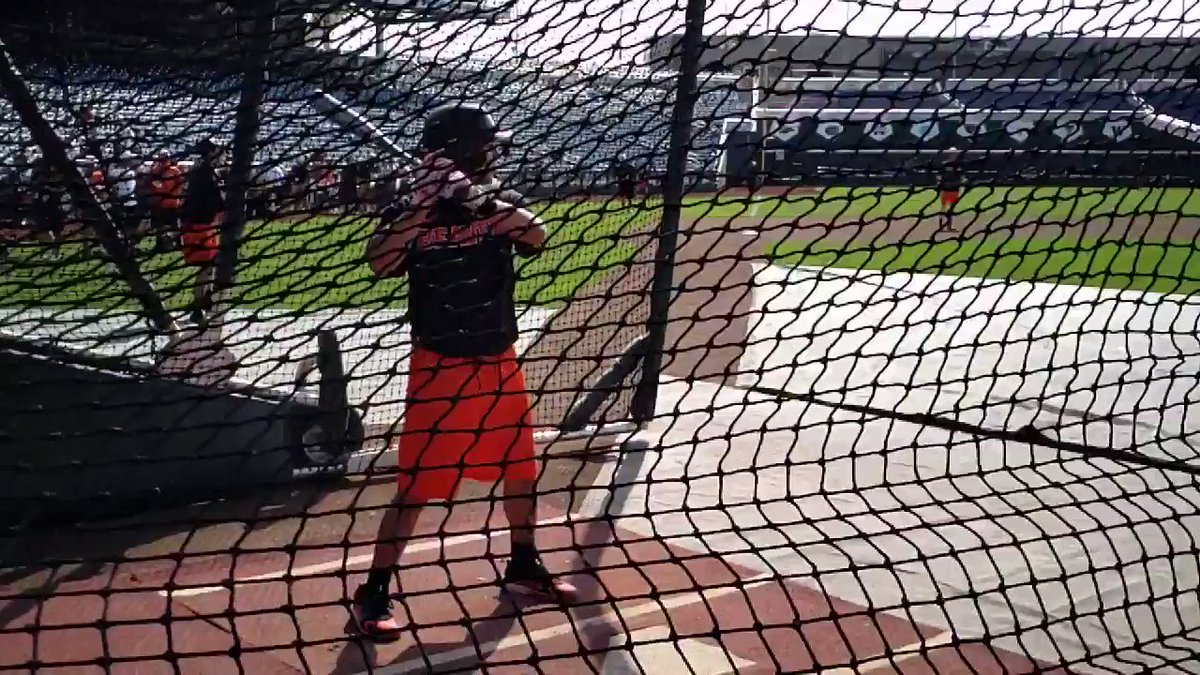 And here's Oregon State SS and White Sox first-round pick Nick Madrigal's swing in slow-mo. https://t.co/BAmfLsAbDI