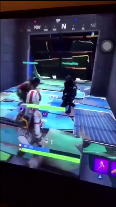 How niggas in Chicago play Fortnite