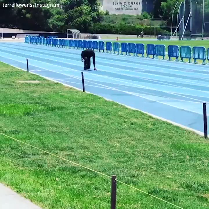 T.O. is out here running a 40-yard dash in 4.44 seconds ... at 44 years old 😳 (via @terrellowens/Instagram)