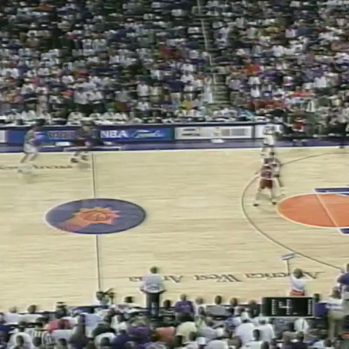 25 years ago today, John Paxson sealed the Michael Jordan and Bulls'  first three-peat. ������ https://t.co/9PITeyfp3I