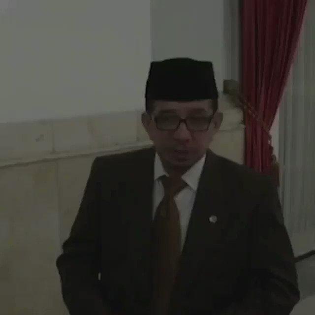 """Ketua Majelis Syuro PKS Habib Salim Segaf Al Jufri adalah cucu Ulama besar di Palu yang juga pendiri Al Khairaat Sayyid Idrus bin Salim Aljufrie atau lebih dikenal dengan nama """"Guru Tua """" #PKSbersamaULAMA  #PKSbersamaULAMA"""