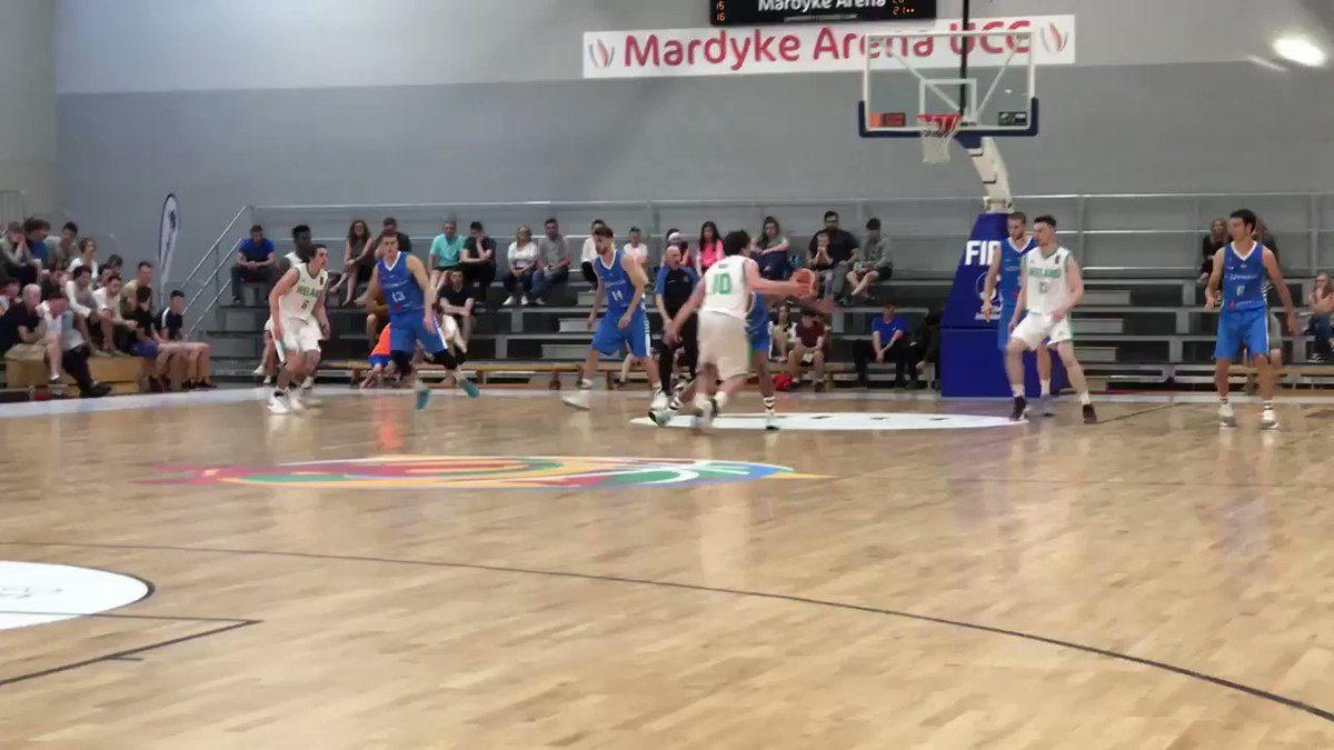 DUNKED all the way home by @BasketballerGuy as, with 4.36 to play Q3, it's Ireland 50 Luxembourg 43 #GreenShoots #COYBIG
