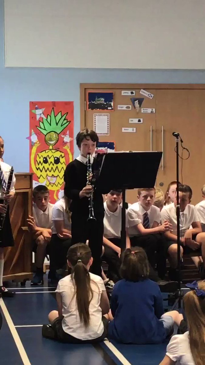 We were entertained by the fantastic musicians in the school. The saxophonists played as we arrived in assembly & then our woodwind ensemble played for us! 👏👏👏👏👏👏