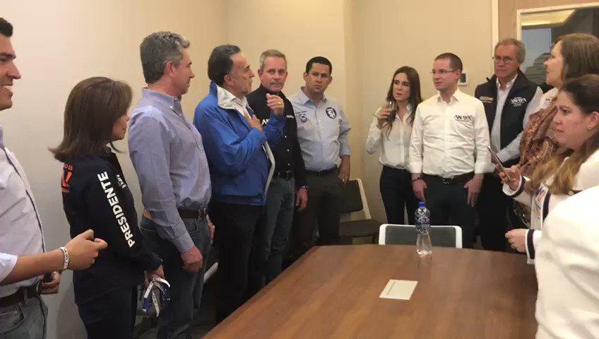 Un video editado que circula en redes sociales muestra a Ricardo Anaya hablando con panistas de Guanajuato, este ha sido sacado de contexto para simular que el candidato acepta que perderá la elección.   ¡Que no te engañen! @VerificadoMX te enseña el video sin edición ni cortes:
