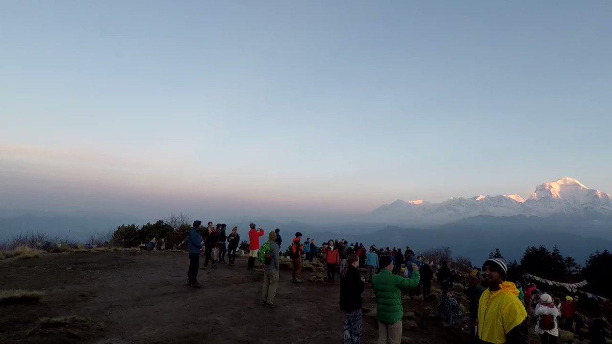 Video taken form Poon Hill in Annapurna region of Nepal, nice view of sun rising in the morning.  #easytrek #shorttrekking #closetothecity #5daystrip #mountainmagictreks  https://t.co/llCS9ekknV https://t.co/5nkFwkdeHg