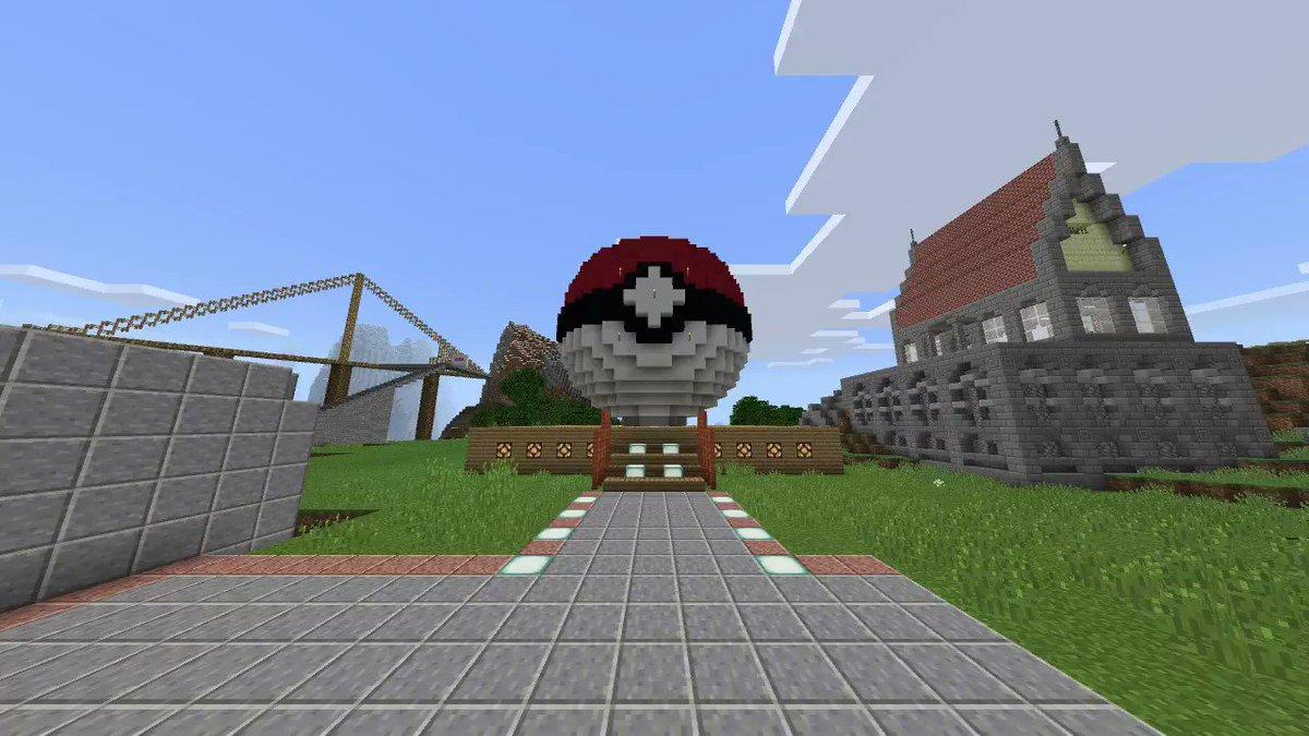 Image for the Tweet beginning: Switch版のマイクラでも 3Dのモンスターボール作った!! #Minecraft #マイクラ #マインクラフト #NintendoSwitch #ポケモン
