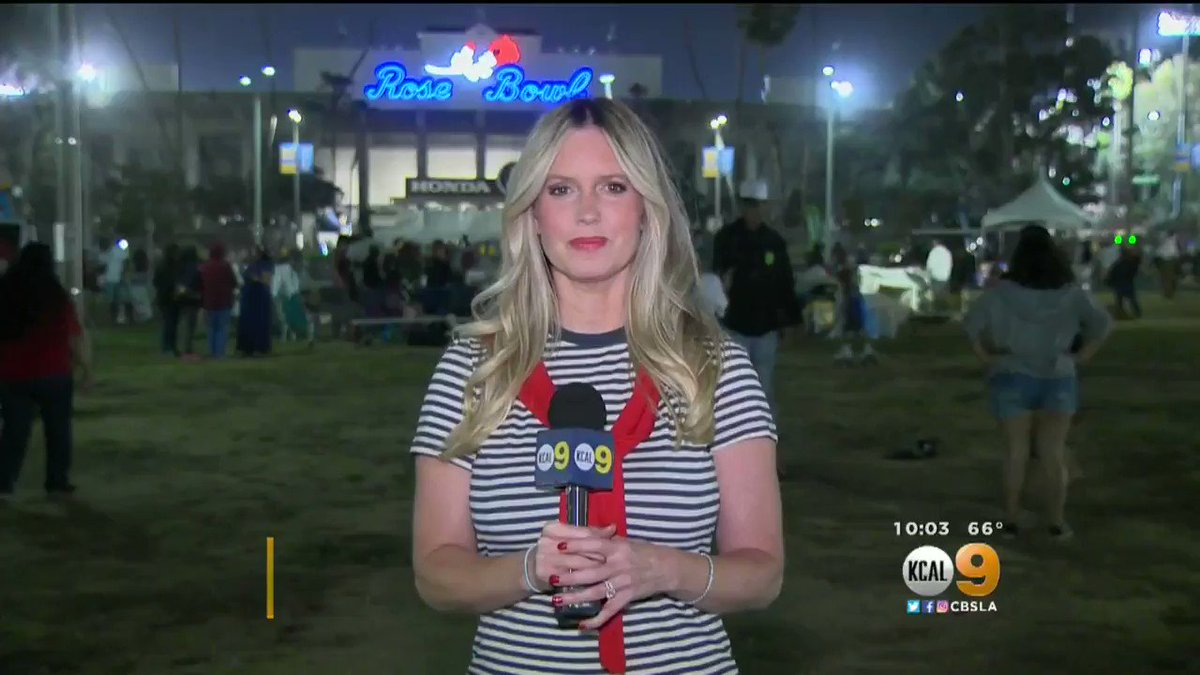 Cbs Los Angeles On Twitter Thousands Of People Packed The Rose Bowl Tonight To Watch The Amazing Americafest Fireworks Extravaganza Brittney Hopper Reports Https T Co Boqxmhmgdx