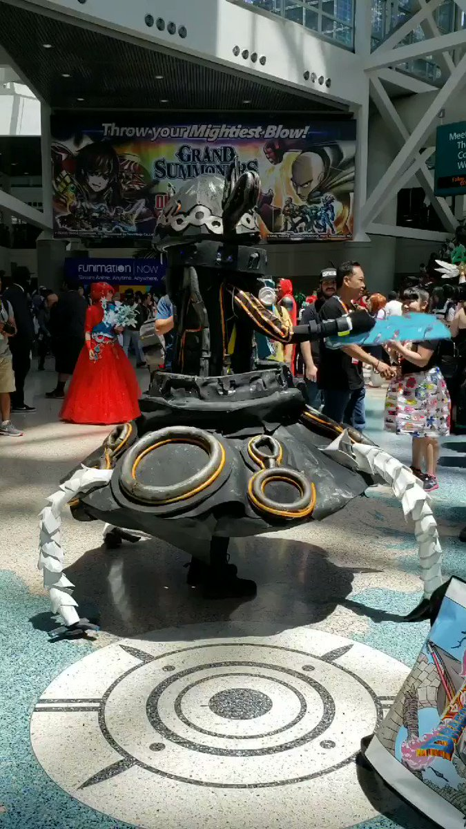 There was an awesome BoTW Guardian cosplayer at #AX2018 !