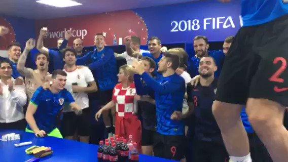 Presidente da Croácia chama atenção de internautas antes de final da ... 9e5c01f40224f