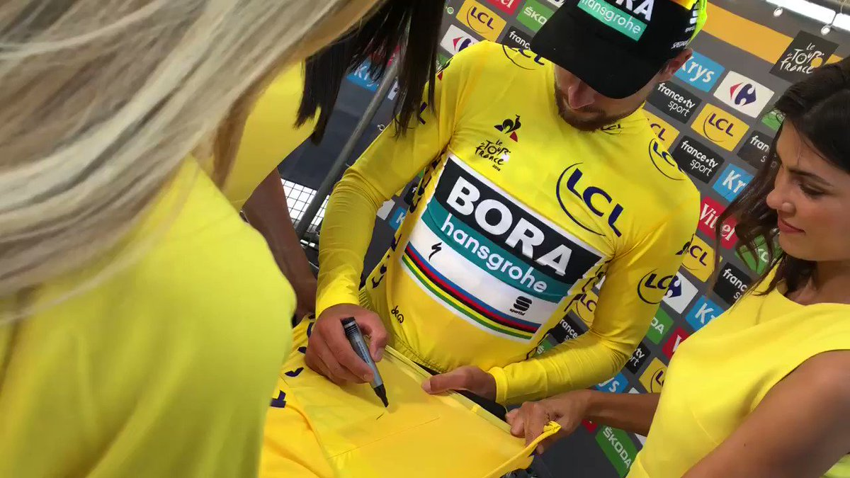 RT to win this @MaillotjauneLCL signed by @petosagan 💛 RT pour gagner le @MaillotjauneLCL signé par @petosagan 💛  By @lecoqsportif - @LCL  #TDF2018